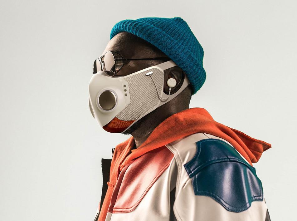 Рэпер Will.i.am: маска из фантастического фильма