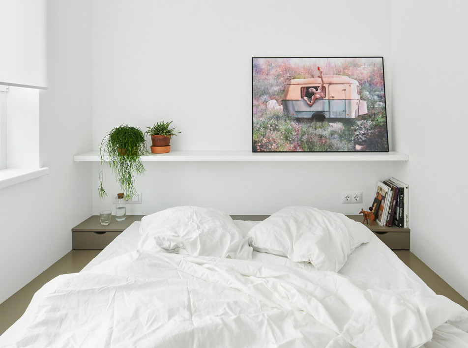 Line Design Studio: белая квартира 47 кв. метров в Калининграде