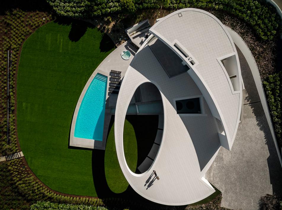 Архитектура воды: 7 домов с красивыми бассейнами