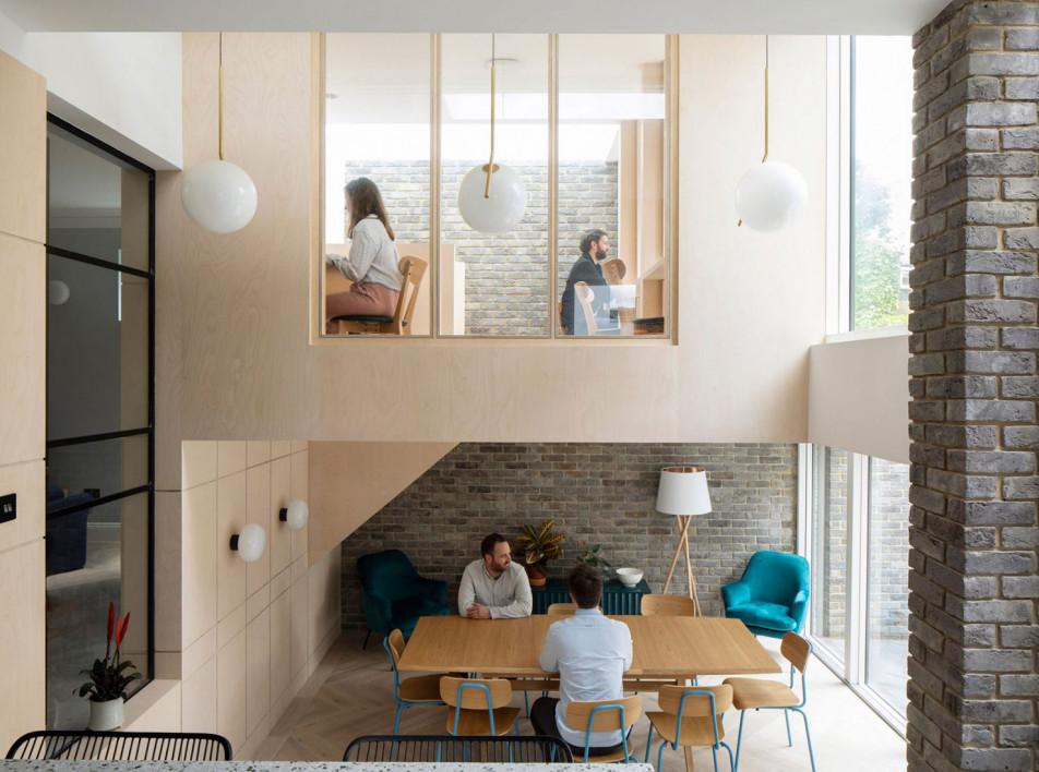 Selencky Parsons: общежитие в реконструированном доме
