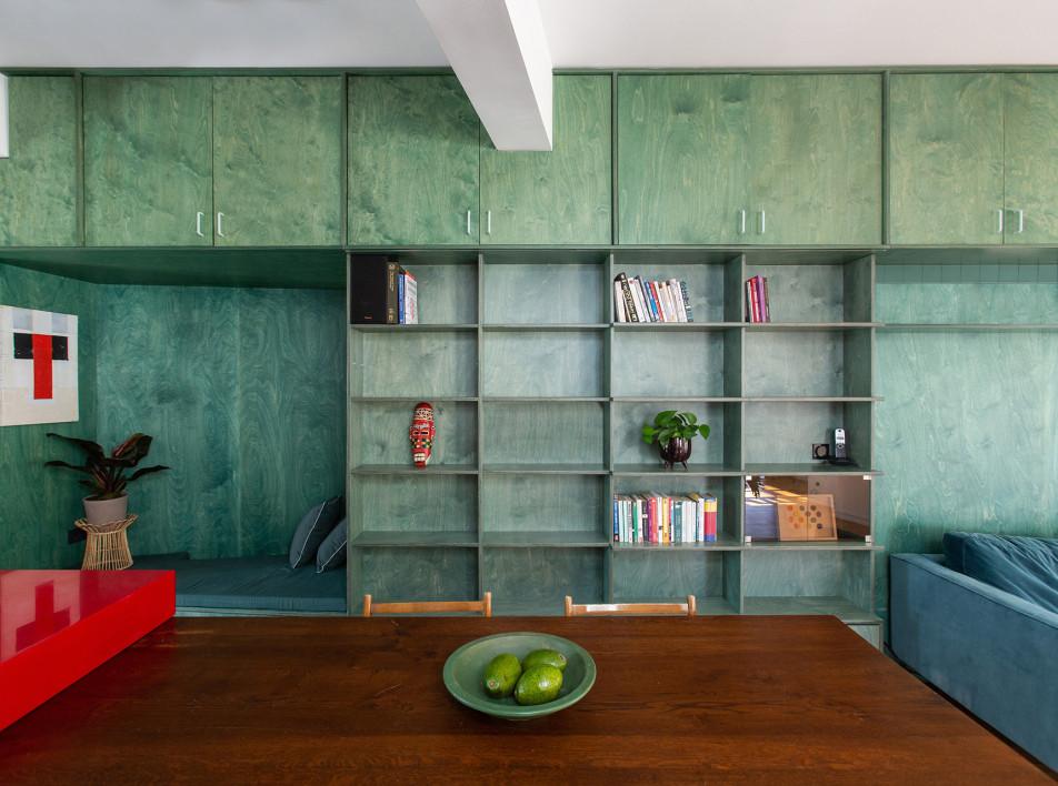 Point Supreme Architects: яркая квартира в Афинах