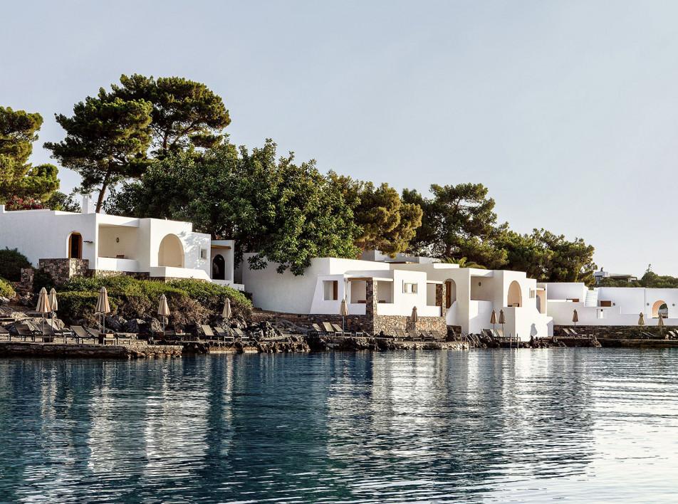 Отель Minos Beach Art: музей под открытым небом