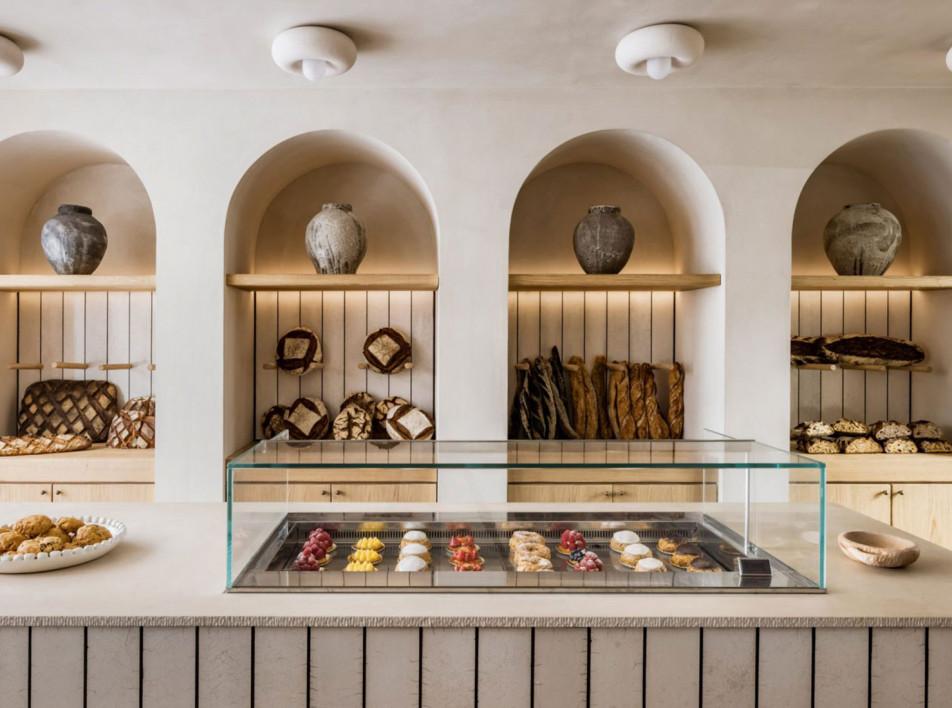 Эммануэль Симон: пекарня с арками и керамикой раку в Париже