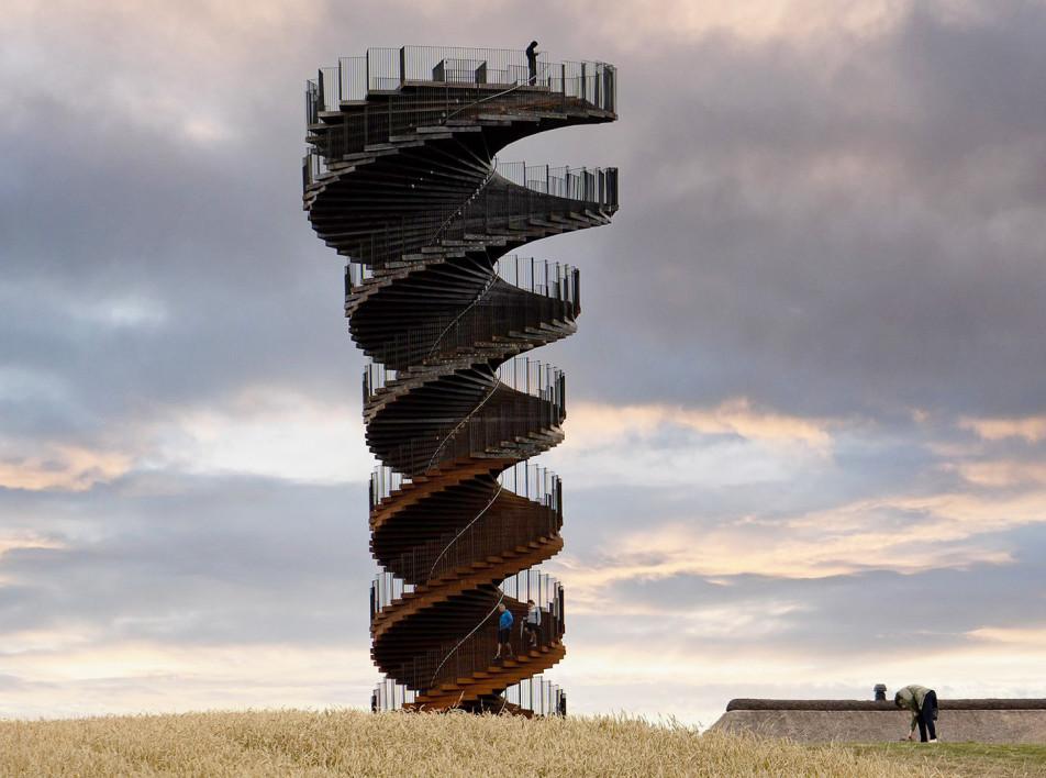 Смотровая башня в Ваттовом море по проекту BIG