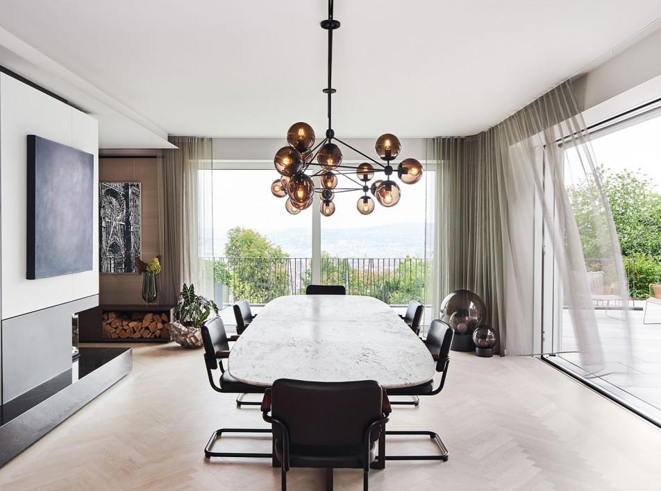 Ippolito Fleitz Group: семейный дом на холме