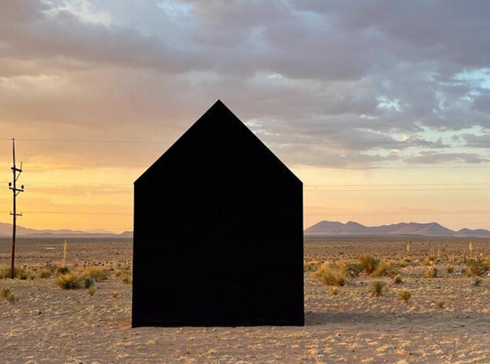 Джон Маргаритис: инсталляция в Техасе